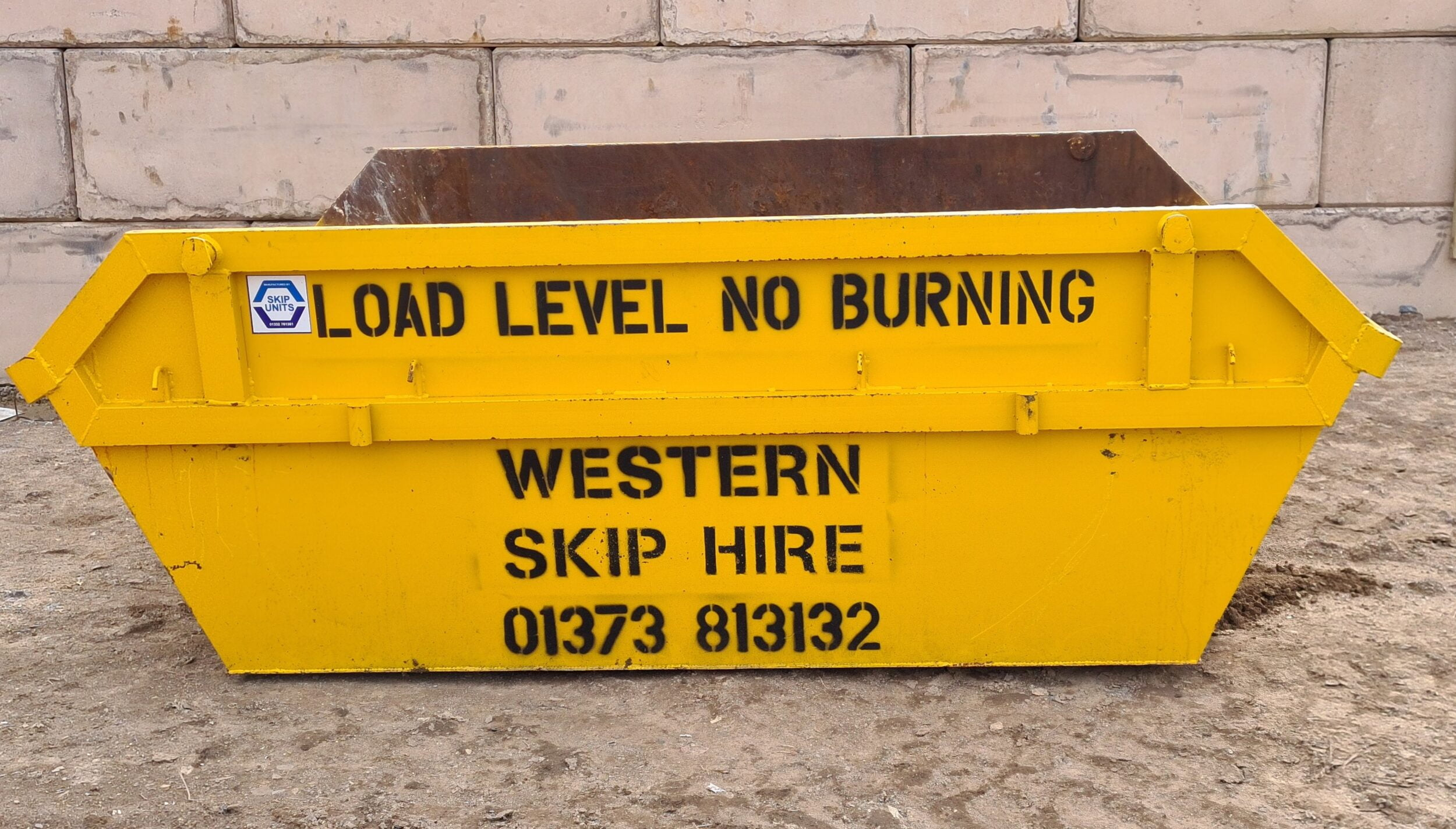 Yellow 4 Yard SKip. Western Skip Hire, Skip Hire, Sweeper Hire, Aggregates, Recycled Waste Stone and Concrete. Westbury, Frome, Somerset, Wiltshire.